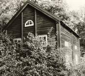 Hus 2, en tiondebod på gården Stora Helleberg 1:1A