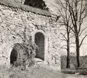 Kyrkoruinen vid Västra Eds kyrka.