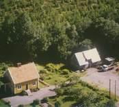 Villa och verkstadsbyggnad i Sankt Sigfrid.
