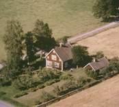 Villa med trädgård i Sankt Sigfrids socken.