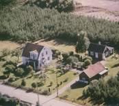 Bostadshus och uthus i Sankt Sigfrids socken.