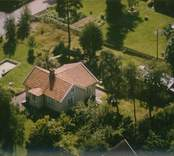 En enkelstuga med trädgård i Kristvalla socken.