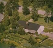 Ett bostadshus med altan i Kristvalla socken.