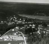 flygfoto över  Gamleby. Samhället med hus och vägar samt Gamlebyviken.