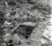 Resterna till Norrby brunn, en hälsobrunn som har haft en överbyggnad.