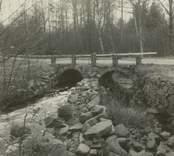 Påryd Gamla bron, sedd uppifrån , från stickhyveln.