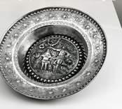 Dopskål av silver. Ornamenterad.