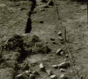 Arkeologisk undersökning  Boplats C:1. Nordvästra delen av schakt (nordväst-sydost) från nordväst.