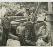 Vägbygge på 1920-talet i Slättingebygd.