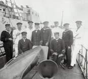 Gruppbild, sittande till höger: Hjalmar Svärdell.