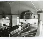 Hälleberga kyrka öre branden 1976.