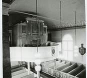 Orgeln i Hälleberga kyrka innan branden 1976.