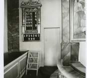 Psaltartavlan vid altaret i Hälleberga kyrka före branden 1976