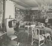 Interiör från biblioteket i Forsby herrgård