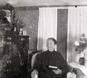 Ida i Sjögle. Bor år 1929 i Ringhult.
