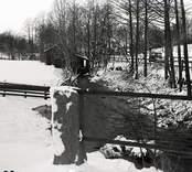 Stranda härad Döderhult socken Prästgården.  Gammal kvarn vid bäcken strax nedanför kyrkan, vid vägskälet mellan stora landsvägen och vägen till...