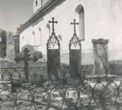 Fredriksbergs gravar (Cederbaum och Hultenheim) vid kyrkan i Döderhult socken.