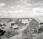 Byn mot nordväst. Foto: 16/07 1948.