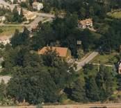 Flygfoto över Ankarsrums kyrka.