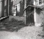 """Bostadshus """"Salen"""", källaren med ingång i Figeholm."""