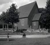 Gladhammar, begravningskapellet byggt på gamla kyrkans plats.