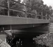 Bro över Ljungbyån vid Åbro i Nybro kommun. Foto, uppströms från nordost.