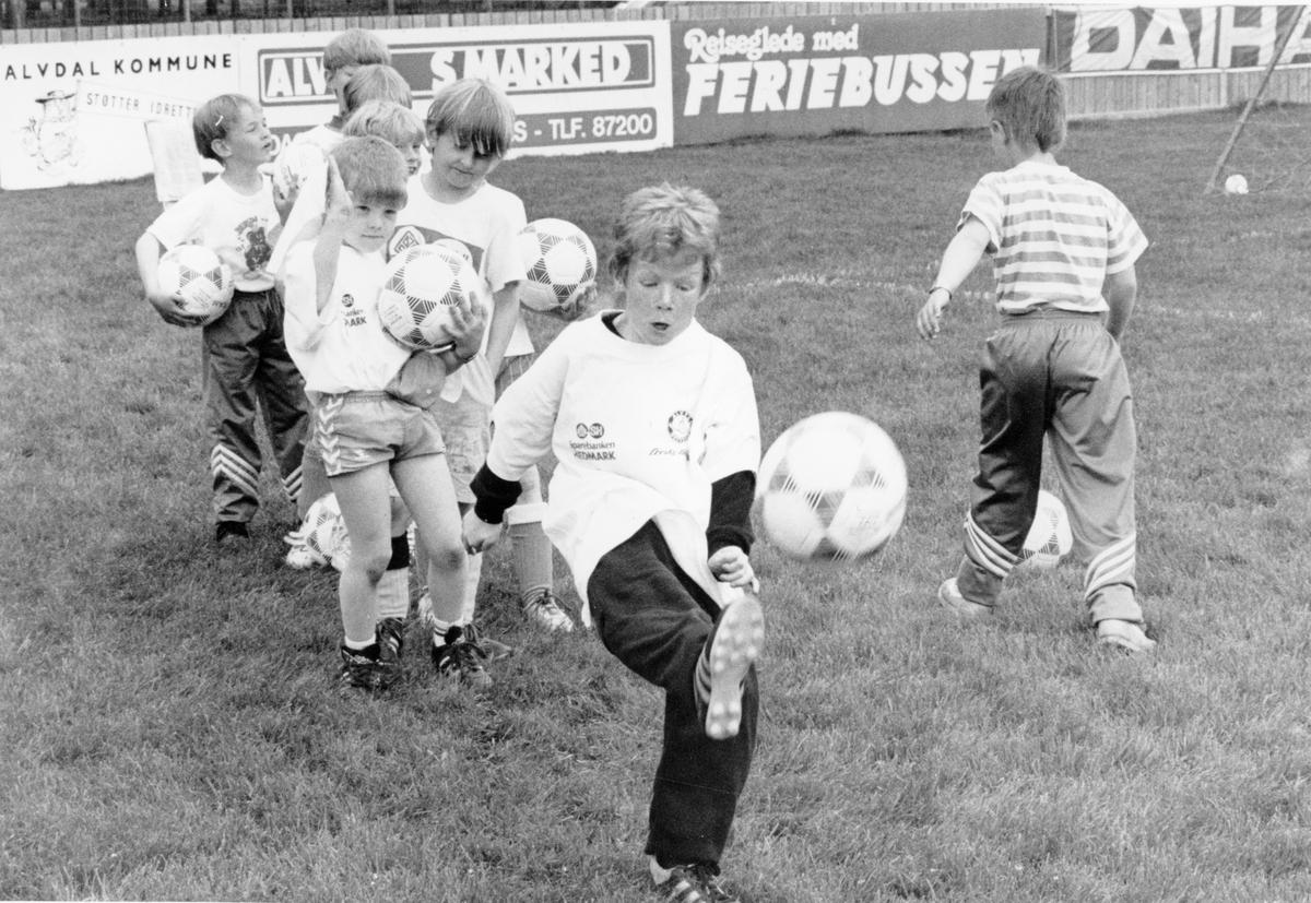 Nord-Østerdalsuka 1991. Fotballskole (Foto/Photo)