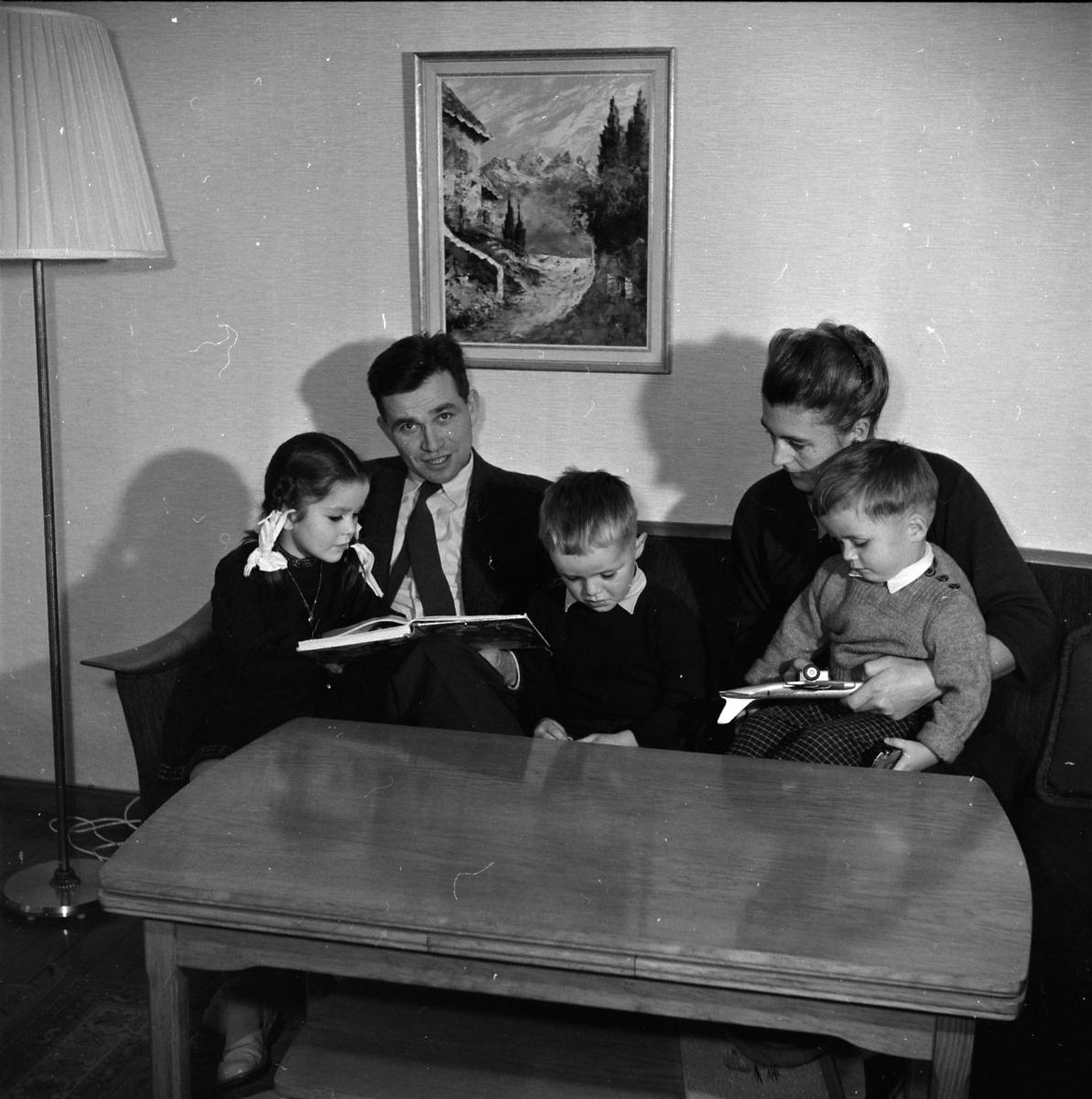 UKJENT FAMILIE.  (Foto/Photo)